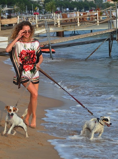 valentina of vfashionworld outfit at the beach in cannes carlton