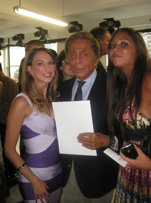 valentino garavani and valentina nessi at oscar de la renta fashion show in new york (45)