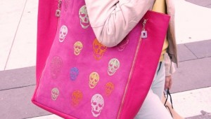 pink_skull_bag