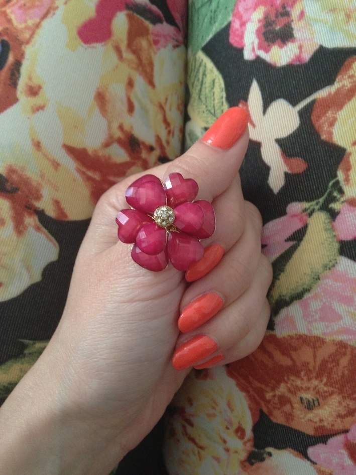 peach_spring_nail_color