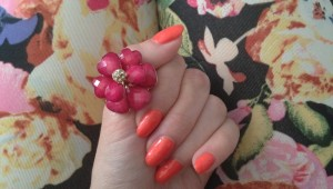 spring_flower_manicure_beauty