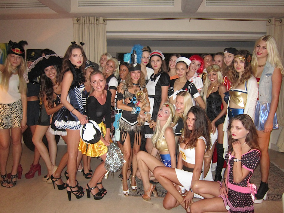 sexy_costume_party_st-tropez