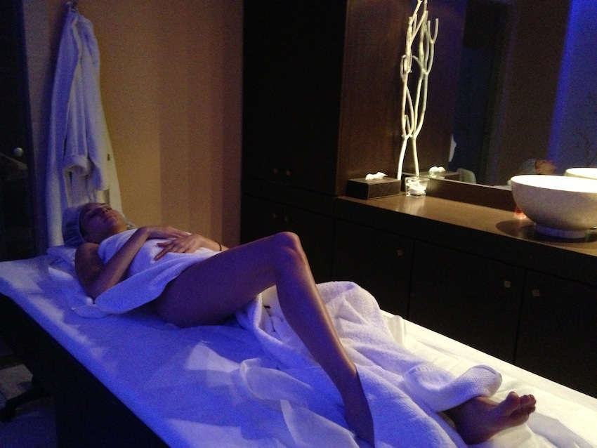 Spa villa thalgo massage v fashion world - Salon massage erotique paris 12 ...