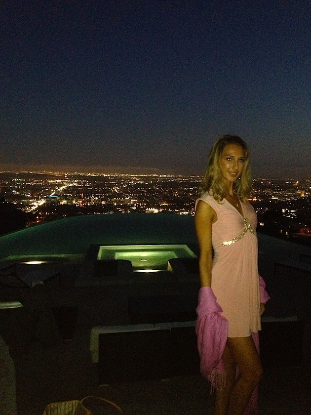 hollywood_girls_hills_by_nigght