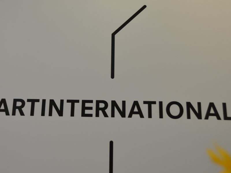 ART INTERNATIONAL