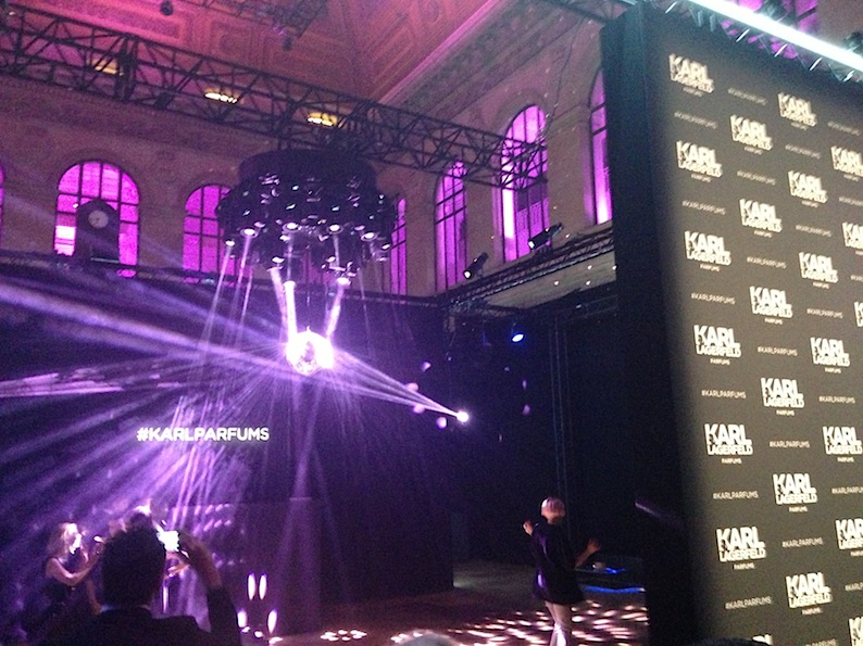 karl-lagerfeld-event-la-bourse-paris