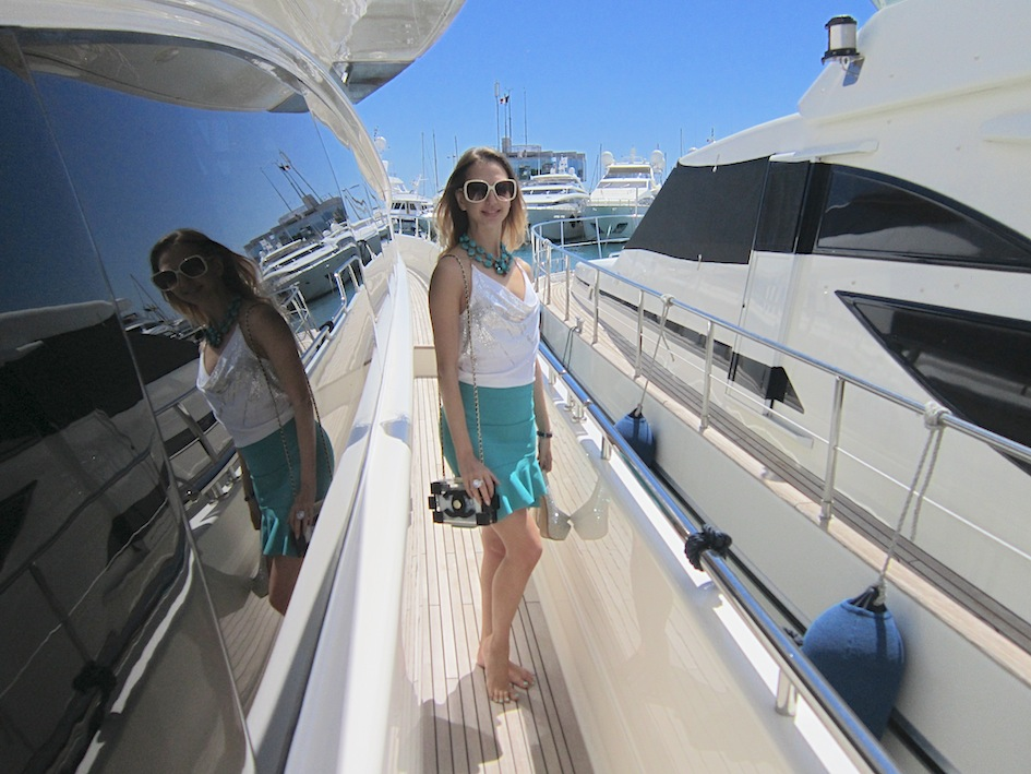yachting_fashion_girl_cover