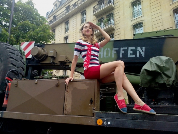 French Pin up look pour la fête Nationale Française