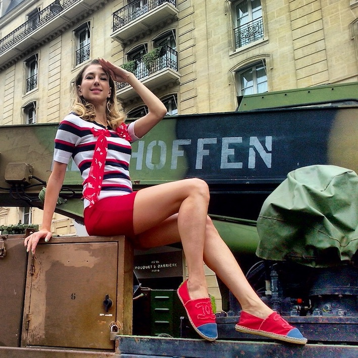 french pin up Valentina Nessi fashion blogger for instagram