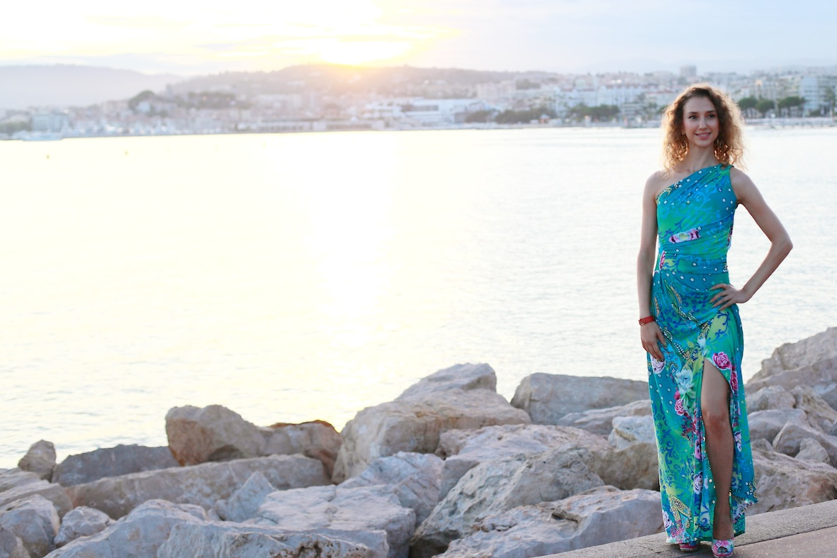 beautiful fashion blogger valentina nessi evening dress cannes