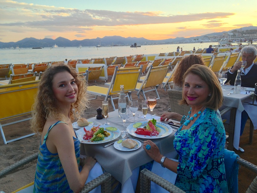 dinner at ondina beach in cannes