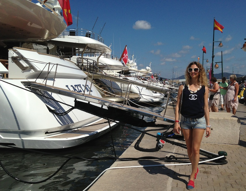 jetset fashion blogger and yacht in st.tropez