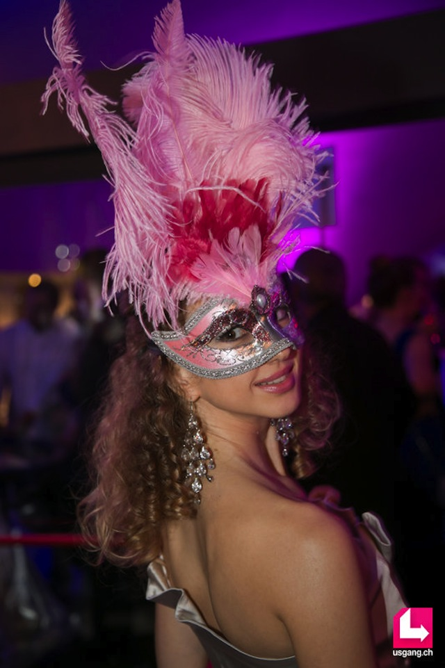 masquerade ball look 01