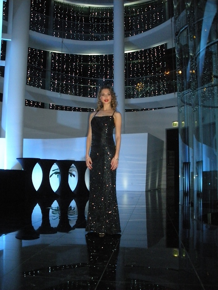 luxury fashion blogger Valentina Nessi elegnat evening dress Palazzo Mantegazza lugano 28