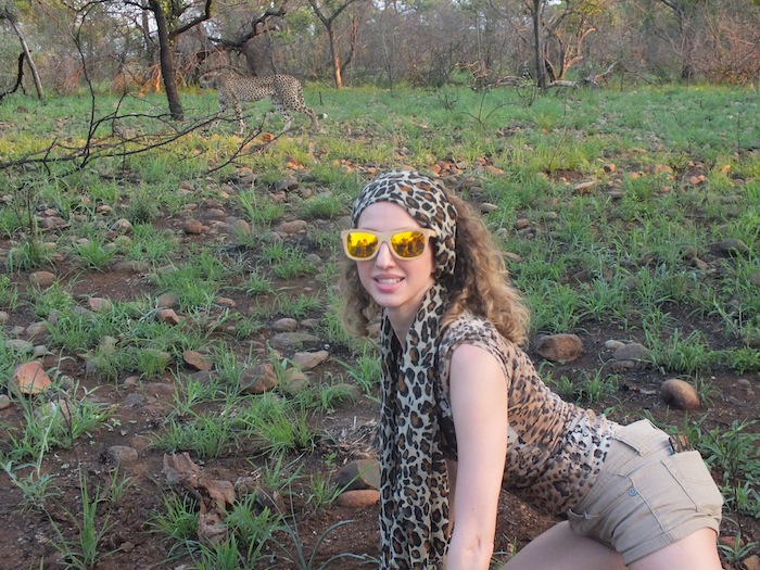 cheetah - gehepardo - animal print look with bambood sunglasses 10