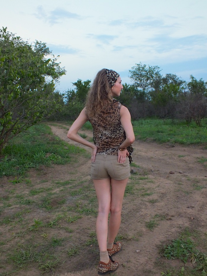 safari look - leopard print t-shirt and scarf 14
