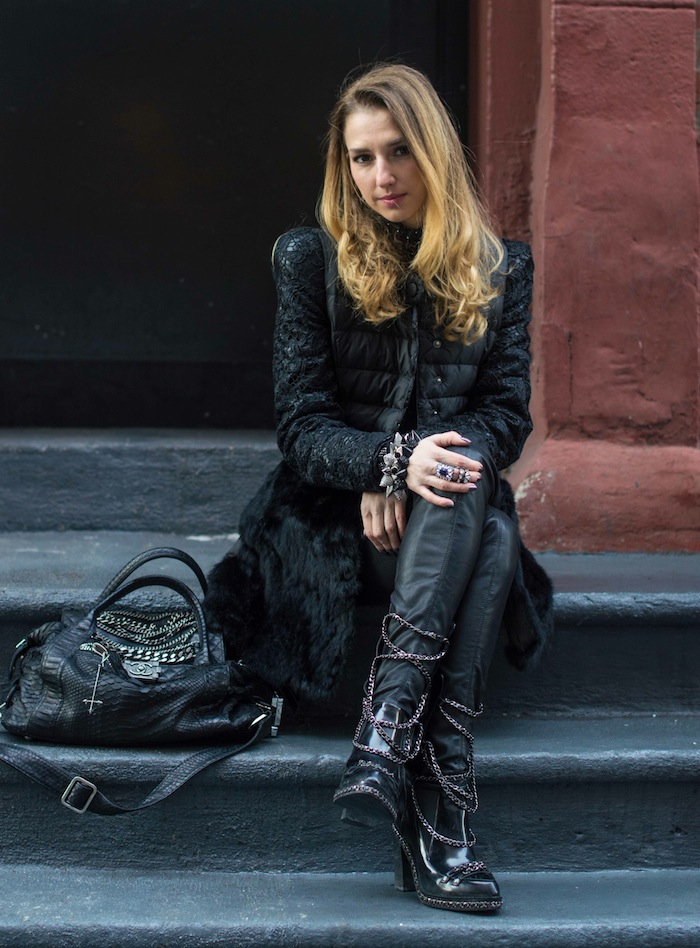 new york fashion blogger Valentina Nessi look 2 - Rock'n-chic - Chanel chain boots and chanel boy - New York Fashion Week