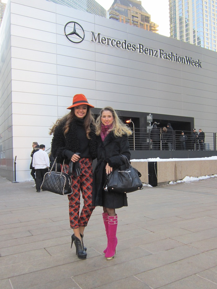 new york fashion week street style bloggers Nicole Bernardes and Valentina Nessi 09