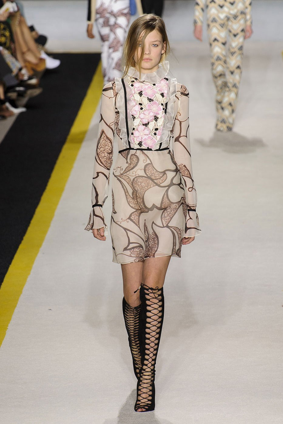 Giambattista Valli runway look Fall winter 2015 / 2016