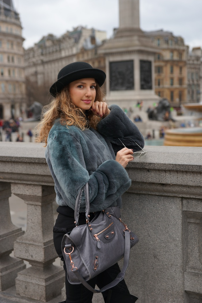 london-street-style-trafalgar-square-valentina-nessi-march-2015 04