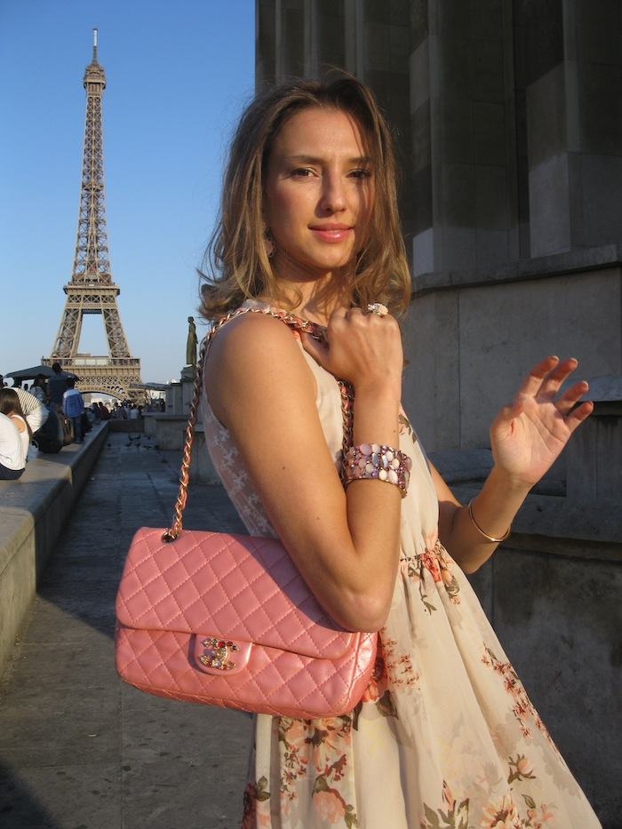 flower-couture-dress-pink-chanel-tour-eiffel-paris-04