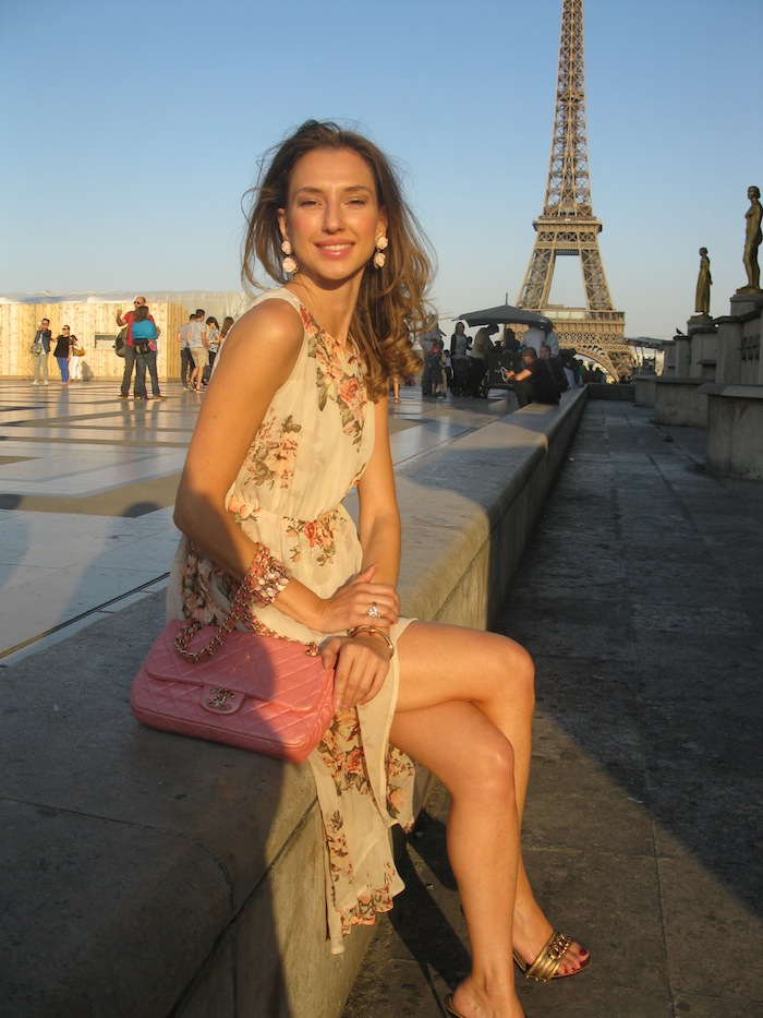 flower-couture-dress-tour-eiffel-paris-09