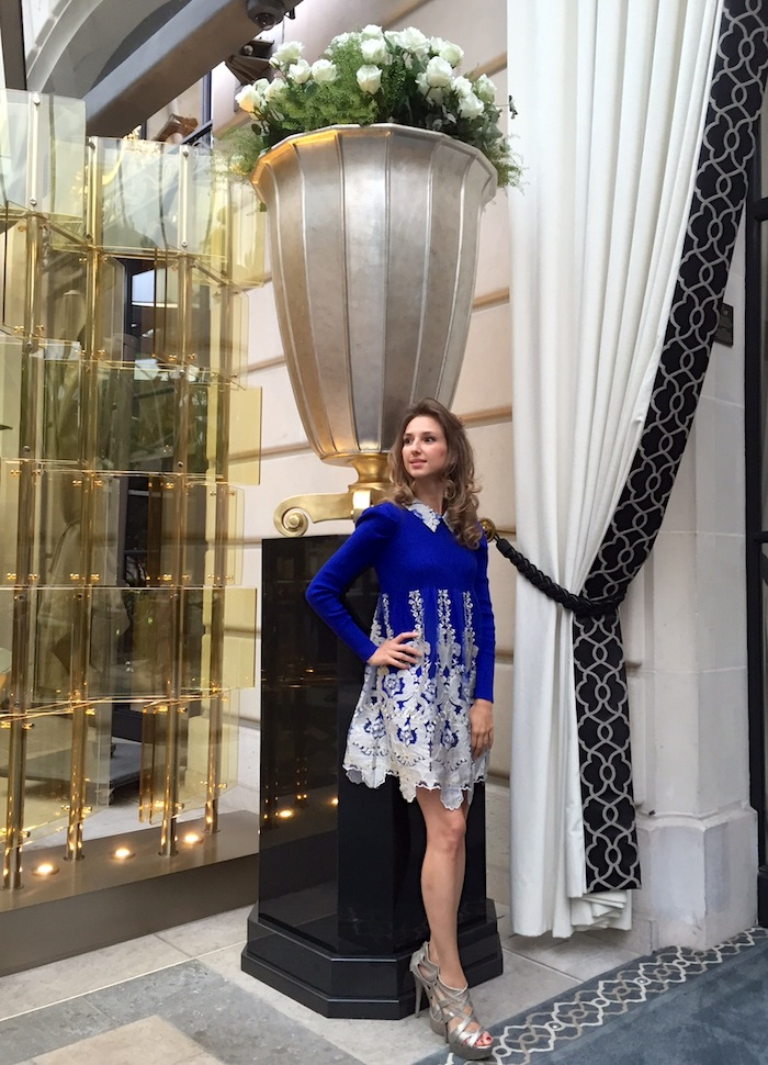 luxury-blue-dress-peninsula-paris-02