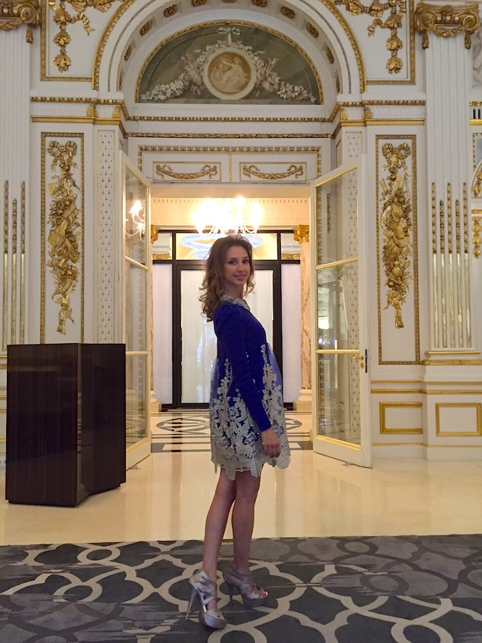 top-fashion-blogger-haute-couture-paris-fashion-week-peninsula-hotel-02
