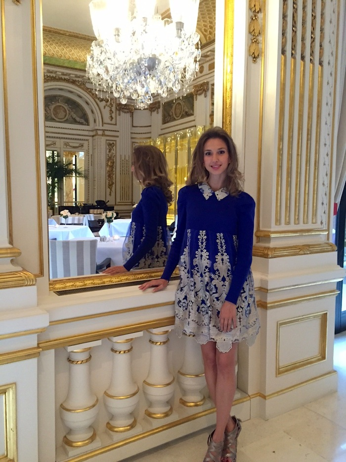 top-fashion-blogger-haute-couture-paris-fashion-week-peninsula-hotel