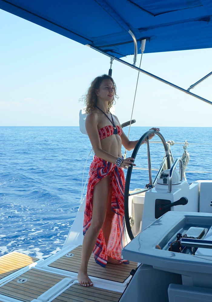 nautical-bikini-naval-style-the-yacht-week-italy-13