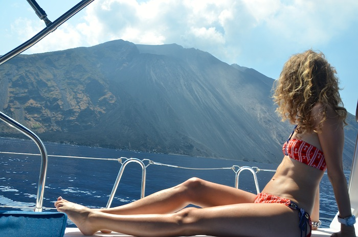 nautical-bikini-naval-style-the-yacht-week-italy-14