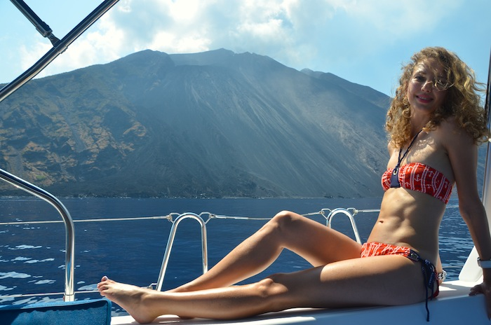 nautical-bikini-naval-style-the-yacht-week-italy-15