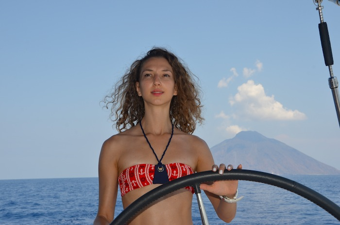 nautical-bikini-naval-style-the-yacht-week-italy-17