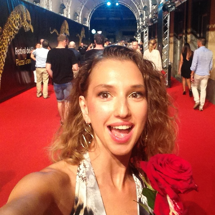 red-carpet-rickylocarno-ricky-and-the-flash-selfie-02