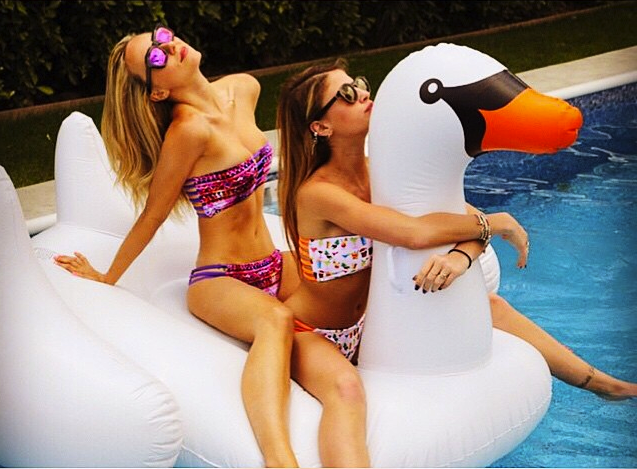 summer-inspiration-of-the-week-pool-party-02