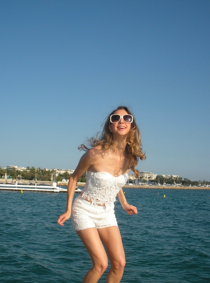 white-lace-croppet-outfit-at-the-beach-cannes-10