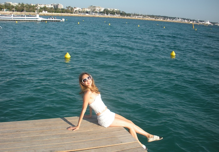 white-lace-croppet-outfit-at-the-beach-cannes-13
