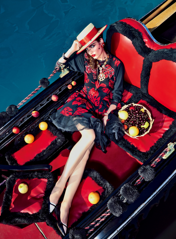 My Fascination with Venice with Zuzanna Bijoch by Pierpaolo Ferrari for Vogue Japan February 2014 (5)