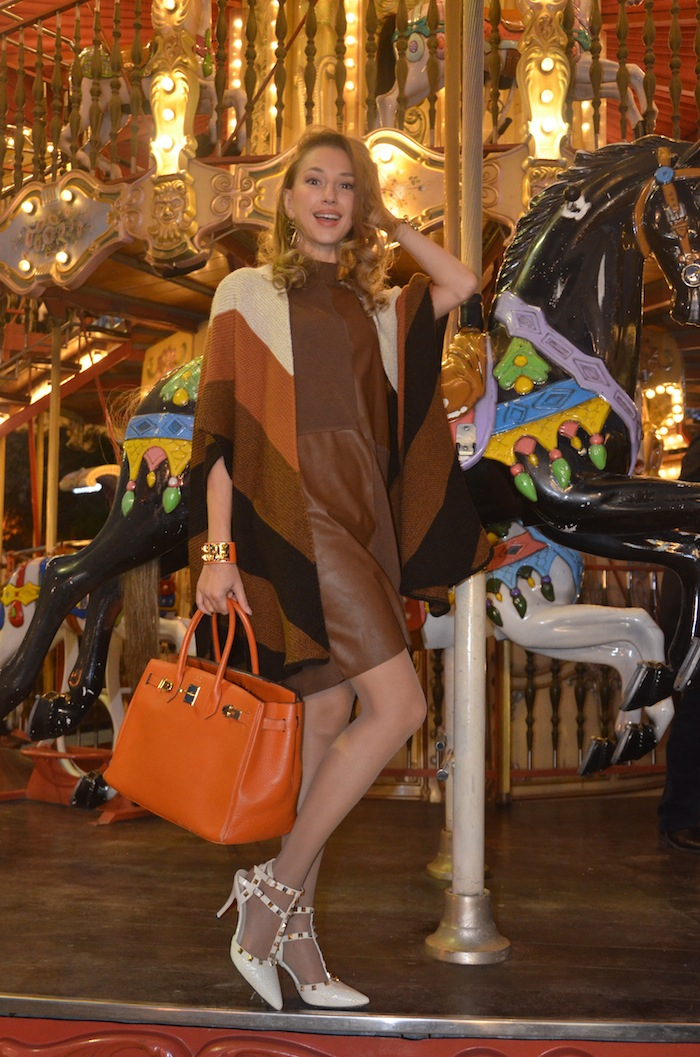 carousel-paris-trocadero-fashion-editorial-stradivarius-hermes-outfit-of-the-day-vfw-magazine-october-02