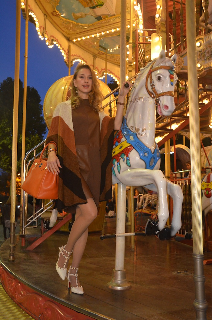 carousel-paris-trocadero-fashion-editorial-vfw-magazine-october-2015-03