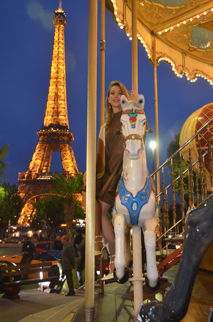 carousel-paris-trocadero-fashion-editorial-vfw-magazine-october-2015-05
