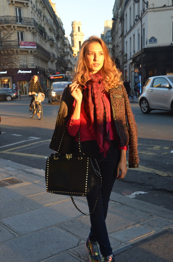 street-style-paris-saint-germain-casual-chic-golden-hours-2015-10