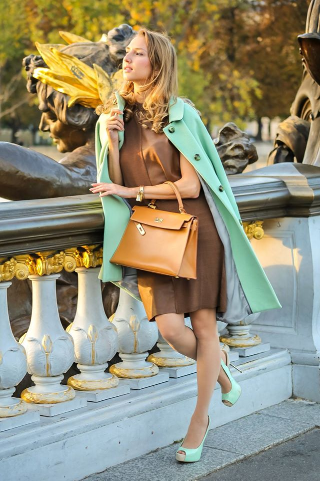 valentina-nessi-vfashionworld-fashion-blogger-hanita-mint-coat-hermes-kelly-bag-editorial-02