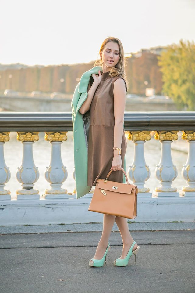 valentina-nessi-vfashionworld-fashion-blogger-hanita-mint-coat-hermes-kelly-bag-editorial-11