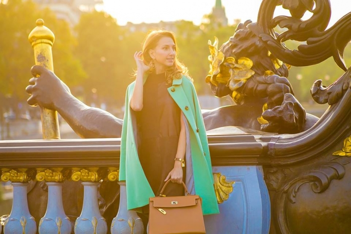 valentina-nessi-vfashionworld-fashion-blogger-hanita-mint-coat-hermes-kelly-bag-editorial-golden-hours-06
