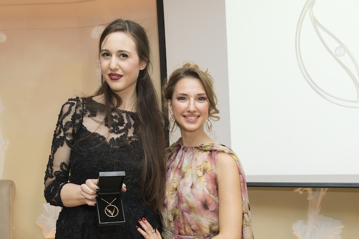best-of-2015-charity-event-vita-association-jewellery-32