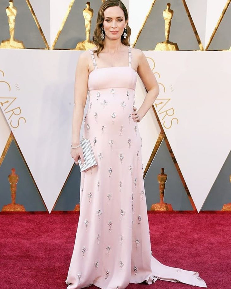 Emily-blunt-best-dressed-prada-dress-oscars-2016-red-carpet