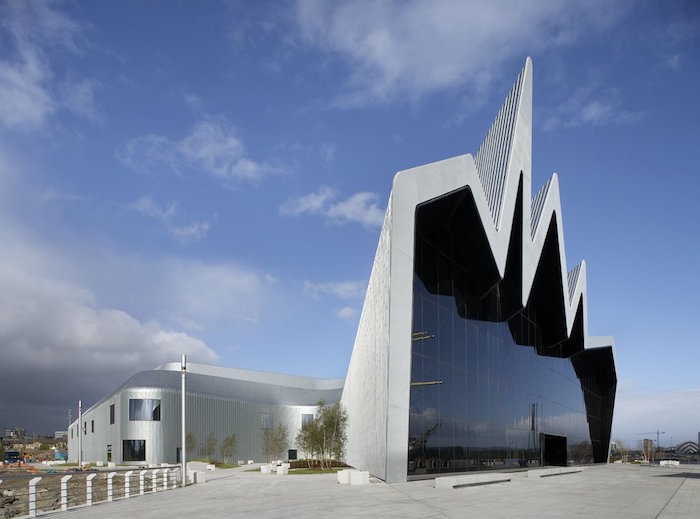Riverside-Museum-of-Transport-by-zaha-hadid-700