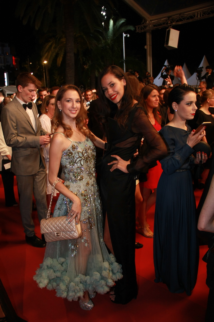 red-carpet-cannes-film-festival-2016-best-dressed-fashion-bloggers-12