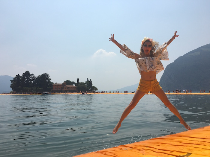 jumping-on-the-floating-piers-08